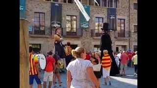 preview picture of video 'Sant Celoni. Celebració Diada Nacional de Catalunya 2014. Arribada Gegants de Sant  Celoni.'