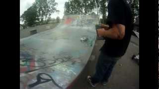 preview picture of video 'RC Traxxas Slash 1/16 skatepark redon guerande'