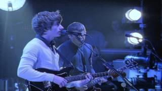 Arctic Monkeys - Fluorescent Adolescent (Live At The Apollo)