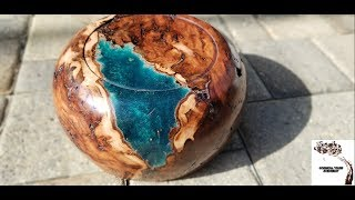 Turning a Resin and Elm Burl Bowl