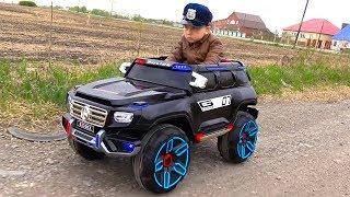 شرطة سينيا والشاحنة المكسورة