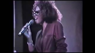 Whitney Houston tribute to Diana Ross  Hold Me ( In Your Arms ) ,1987