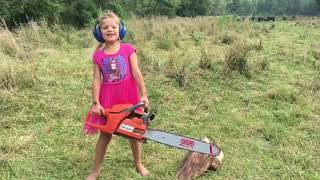 Little Girl Makes Wooden Chair With Chainsaw
