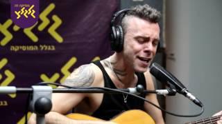 Asaf Avidan - Love it or Leave it  (לייב באולפן גלגלצ)