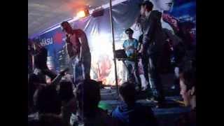 preview picture of video 'BuG Mc ft. (Паша )Pushkin - Рвутся динамики (live)'