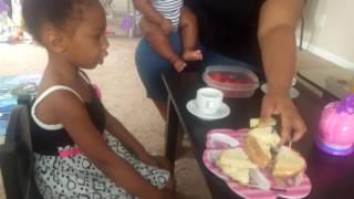 Tea time! - Video Youtube