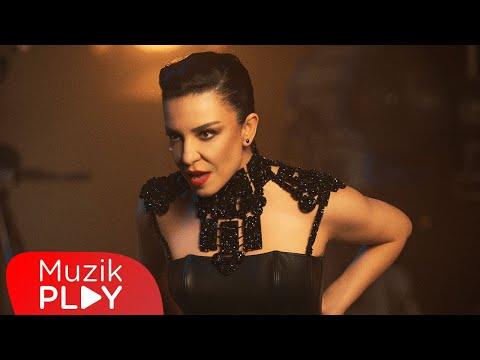 Fatma Turgut Bir Varmış Bir Yokmuş Official Video