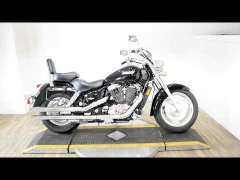 2006 Honda Shadow Sabre™ in Wauconda, Illinois - Video 1
