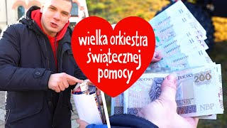 Youtuber z kanału Budda. TV wrzucił właśnie 10 tys. do puszki w Krakowie