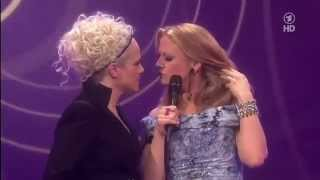 Echo 2012 Barbara Schöneberger kiss Ina Müller.mp4