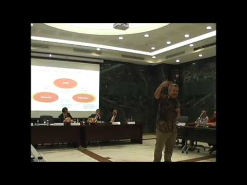 Diskusi Panel Ekonomi Halal Bag 2