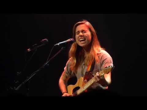 Julien Baker - Doesn't Remind Me (Audioslave) Vicar St September 2018