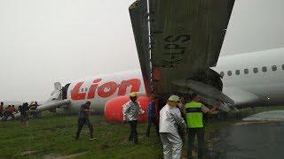 Detik-detik Pesawat Lion Air Tergelincir di Bandara Supadio