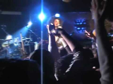 12.Caparezza - Giuda me - Pozzuoli (NA) Havana Club 16-04-2004.wmv
