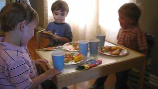 Screaming kids at Birthday table