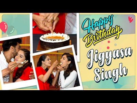 Jigyasa Singh BIRTHDAY CELEBRATION With Dev 2 Team