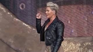 Pink   Just Give Me A Reason   LIVE In Köln 05.07.2019