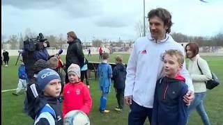 Игроки сборной России по футболу провели тренировку на «Электроне»