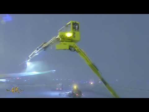 Flying out of YUL with de-icing in snow blizzard
