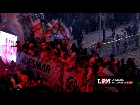 """""""Vuelta olímpica y festejos"""" Barra: Los Borrachos del Tablón • Club: River Plate"""