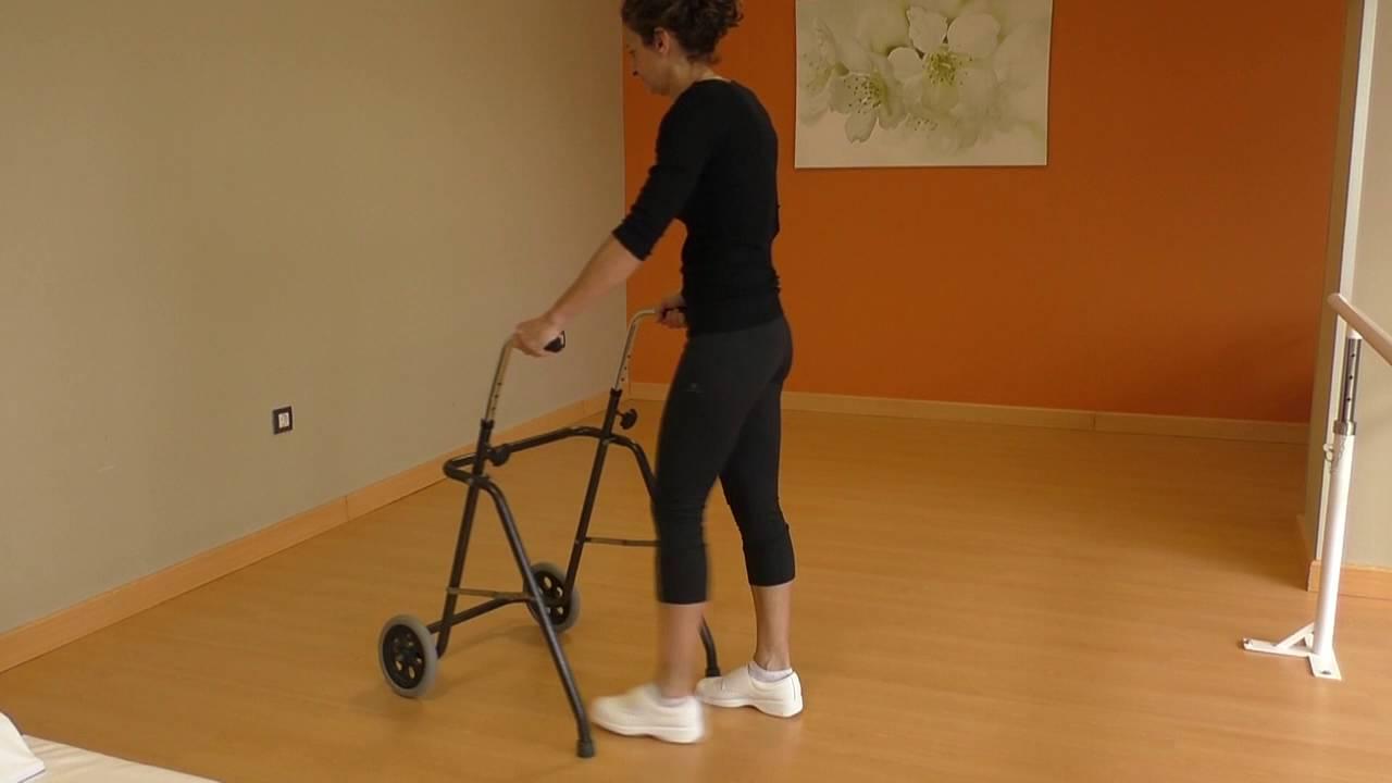 Vídeo sobre Escuela de cadera. Caminar con andador.