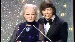 "Charlie Rich Wins Favorite Country Single For ""Behind Closed Doors"" - AMA 1974"