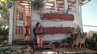 Art Studio - A Renter Finds Inspiration In Her Garden Oasis – Sanctuary - S1E2