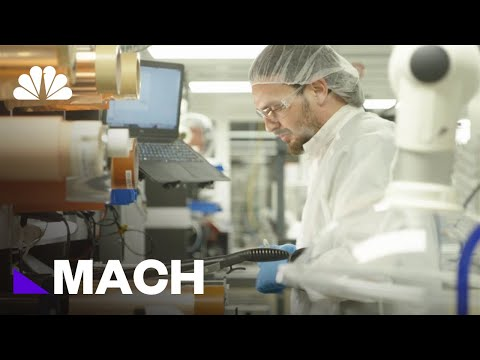 Download The Breakthrough Battery Technology Investors Are Betting Millions On | Mach | NBC News HD Mp4 3GP Video and MP3