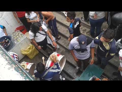 """Entrada de la MUERTE BLANCA - LIGA vs d.qUito"" Barra: Muerte Blanca • Club: LDU"