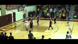 Игрок из Остина принес своей баскетбольной команде победу броском через всю площадку. Красава