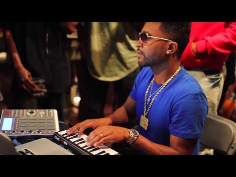 @ZAYTOVENBEATZ COOKING UP @ SXSW SHOT BY @SKOOZEMCBUCKS