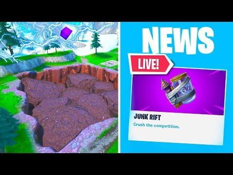 *NEW* FORTNITE JUNK RIFT EVENT AT SOCCER STADIUM RIGHT NOW! NEW UPDATE ITEM (Fortnite Battle Royale)