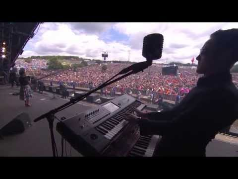 Caro Emerald - One Day (Glastonbury 2014)