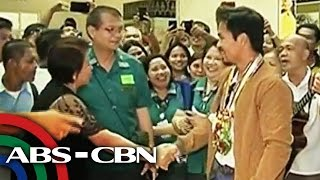 Hero's welcome greets returning Pacquiao