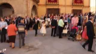 preview picture of video 'Andorra (Teruel) Entrada a Iglesia de Juntas de San Macario, Reinas y Autoridades 09-09-2011'