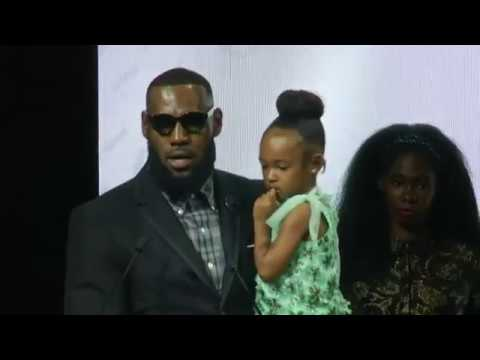 LeBron James says 'I stand with Nike' after Colin Kaepernick ad. James made the remarks as he received an award for both his style and his philanthropy from the Harlem's Fashion Row fashion collective. The Manhattan dinner was presented by Nike, and a new LeBron James signature women's sneaker was revealed, designed by three female designers. (Sept. 5)