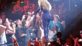 Beyonce Fan in Nashville Gets the Holy Ghost! Irreplaceable -ORIGINAL VIDEO