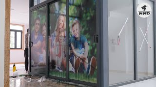 Thi công dán tranh kính 3D gia đình