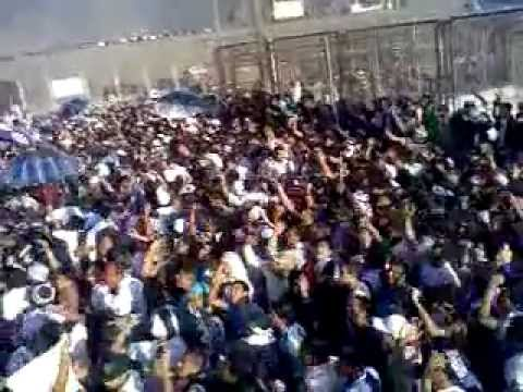 """""""COMANDO SVR EN EL K- BROMENTAL CLASICO 22/09/2011"""" Barra: Comando SVR • Club: Alianza Lima • País: Peru"""