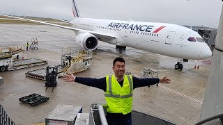Working for Air France B787 on the ramp!