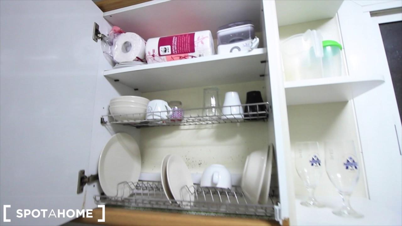 Bright 5-bedroom apartment to rent in Eixample Dreta