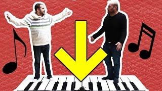 Ayakla Çalınan Dev Piyanoyu Test Ettik - İlginç Ürün