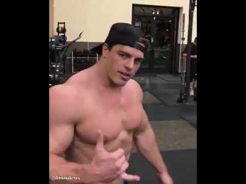 Prokatchat les mains les muscles de derrière