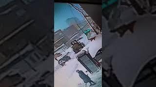 Водитель снегоуборочного трактора сбил женщину в Шерегеше