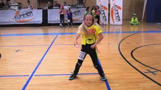 HIP-HOP-Staatsmeisterin Hannah von der Tanzschule Kazianka in Aktion!