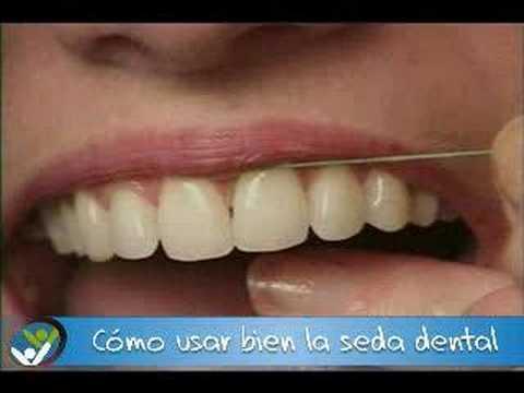 Cómo usar bien la seda dental