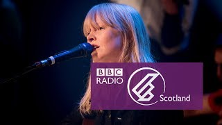 Lucy Rose   Treat Me Like A Woman (The Quay Sessions)