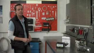 Batterie befüllen mit Säurepack, Motorrad von Varta und mt-tuning.com