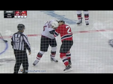 Jordin Tootoo vs. Kyle Chipchura