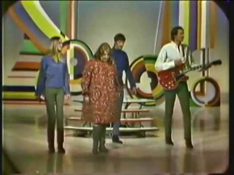 Monday, Monday (1966) (Song) by The Mamas & the Papas
